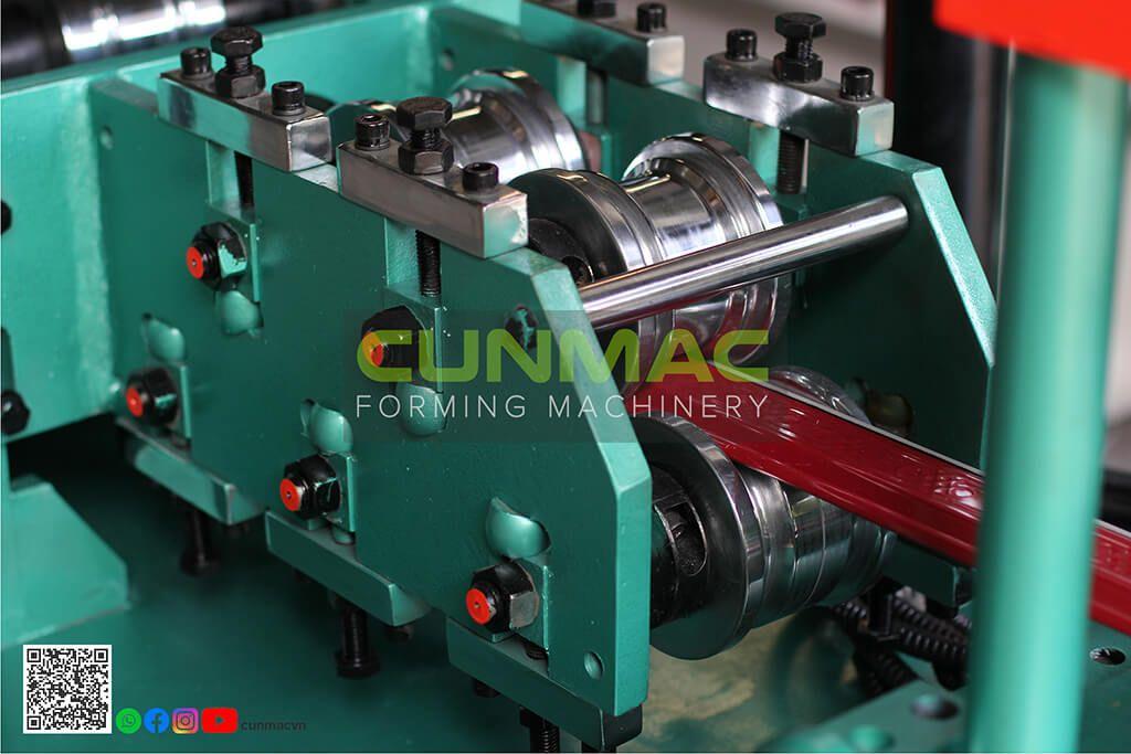 roll forming machine, shutter door machine , Taiwan shutter door machine, vietnam machine