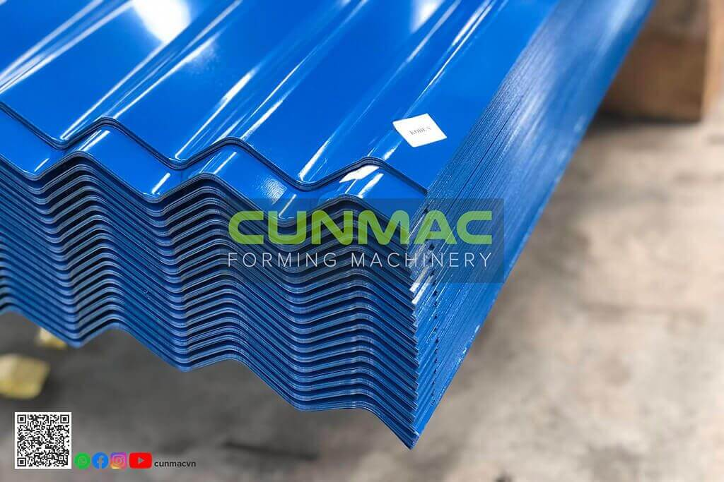corrugated metal roof panels